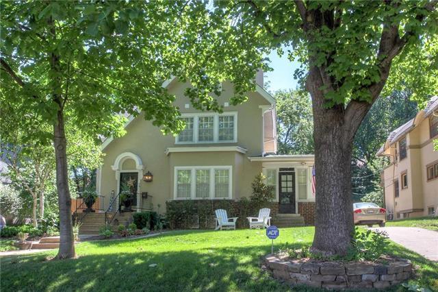 5911 Walnut Street, Kansas City, MO 64113 (#2147154) :: Edie Waters Network