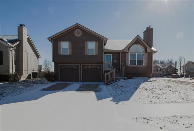 11001 N Lewis Avenue, Kansas City, MO 64157 (#2147197) :: Edie Waters Network
