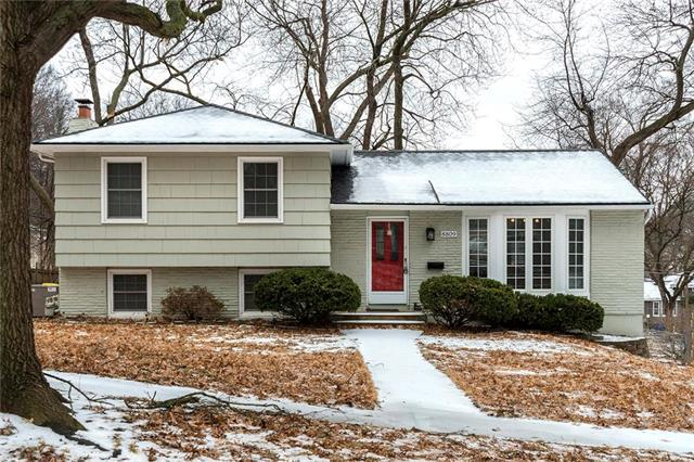 8809 W 72nd Street, Merriam, KS 66204 (#2147218) :: Team Real Estate