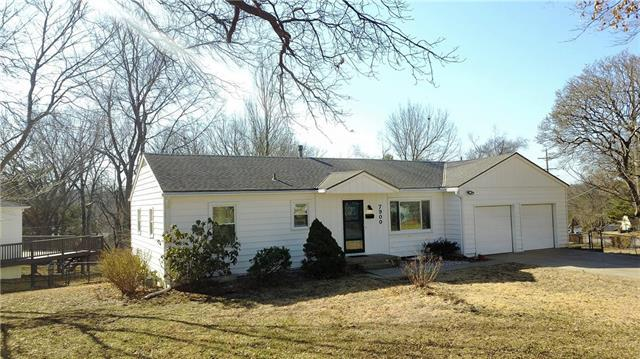 7900 Reeds Road, Prairie Village, KS 66208 (#2147266) :: The Shannon Lyon Group - ReeceNichols