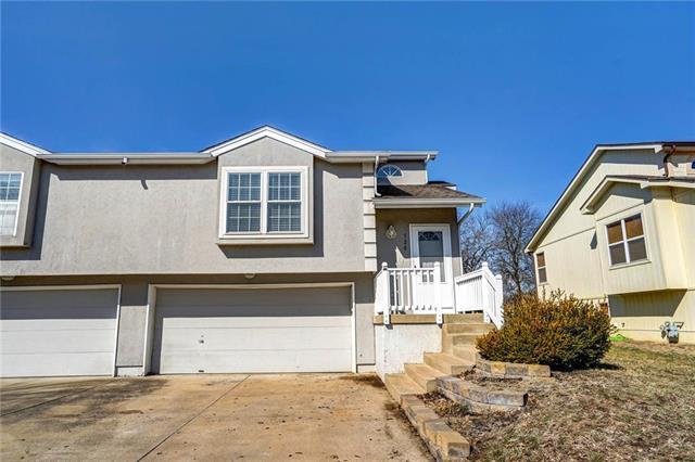 520 Andypaul Court, Raymore, MO 64083 (#2147290) :: Kansas City Homes