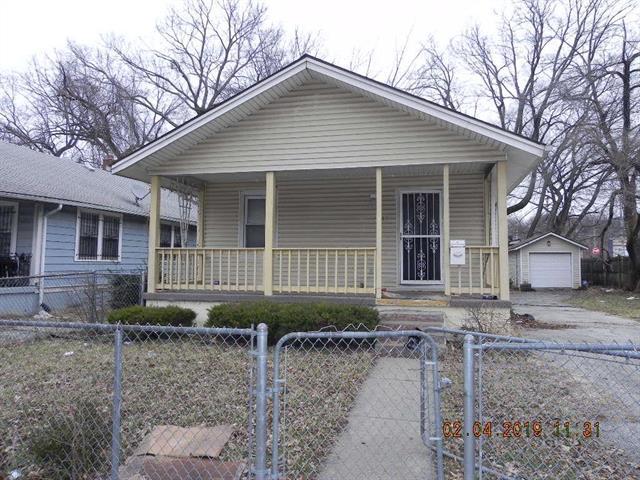 5943 Wabash Avenue, Kansas City, MO 64130 (#2147353) :: Edie Waters Network