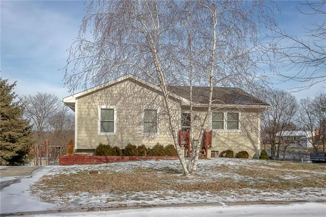 613 Kimberly Drive, Excelsior Springs, MO 64024 (#2147590) :: The Gunselman Team