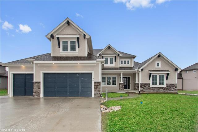 124 NW Carson Drive, Lee's Summit, MO 64081 (#2147677) :: Edie Waters Network