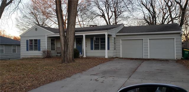 5705 Quivira Road, Shawnee, KS 66203 (#2147901) :: Kedish Realty Group at Keller Williams Realty