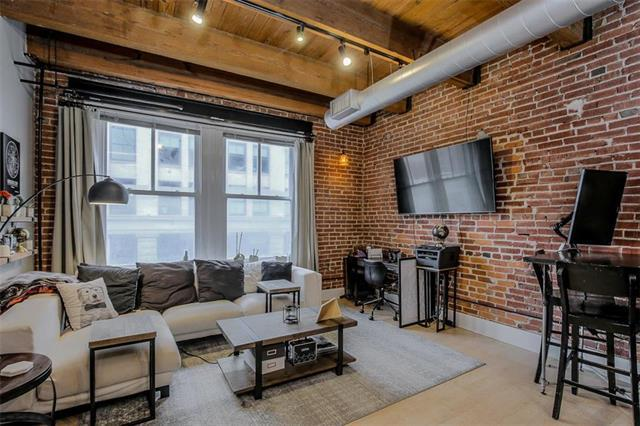 706 Broadway #402 Street #402, Kansas City, MO 64105 (#2147926) :: No Borders Real Estate