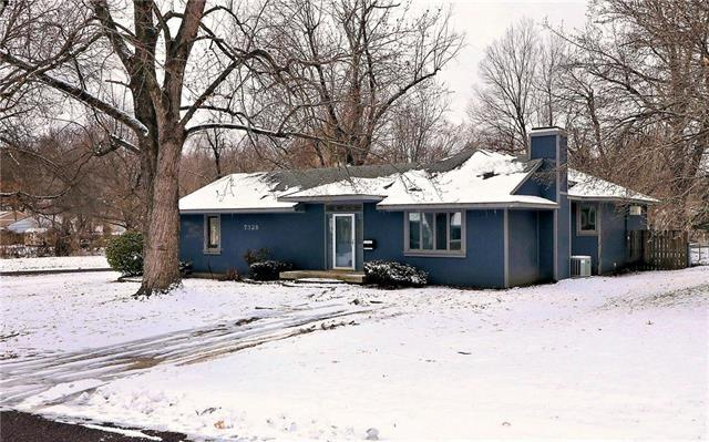 7328 Reeds Road, Overland Park, KS 66204 (#2147930) :: No Borders Real Estate