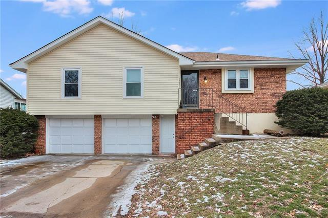 19215 E 13TH Street, Independence, MO 64056 (#2147973) :: Team Real Estate