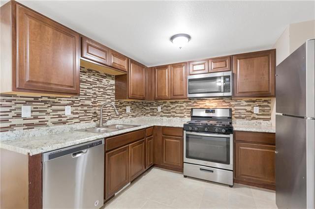 327 Woods Avenue, Excelsior Springs, MO 64024 (#2147979) :: Edie Waters Network