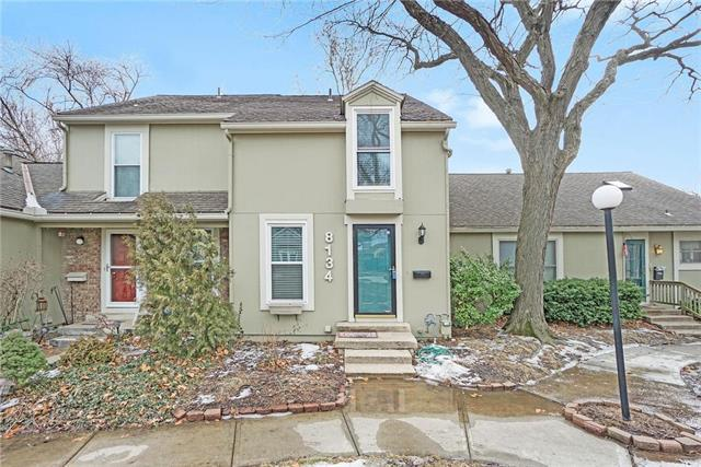 8134 Halsey Street, Lenexa, KS 66215 (#2148105) :: Edie Waters Network