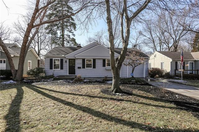 2229 W 71st Street, Prairie Village, KS 66208 (#2148128) :: Team Real Estate