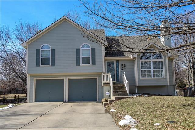 604 Canter Street, Raymore, MO 64083 (#2148138) :: Edie Waters Network
