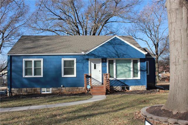 6128 Roger Road, Shawnee, KS 66203 (#2148155) :: Kedish Realty Group at Keller Williams Realty
