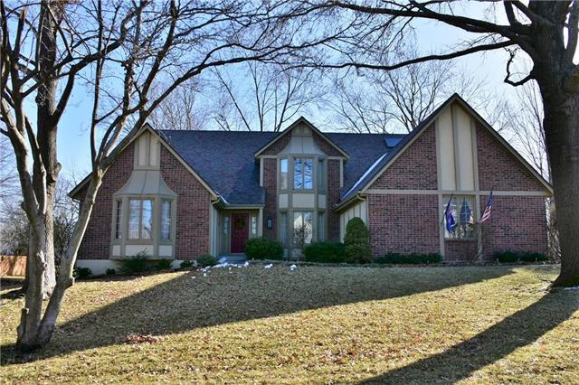 12715 Pawnee Lane, Leawood, KS 66209 (#2148165) :: Eric Craig Real Estate Team