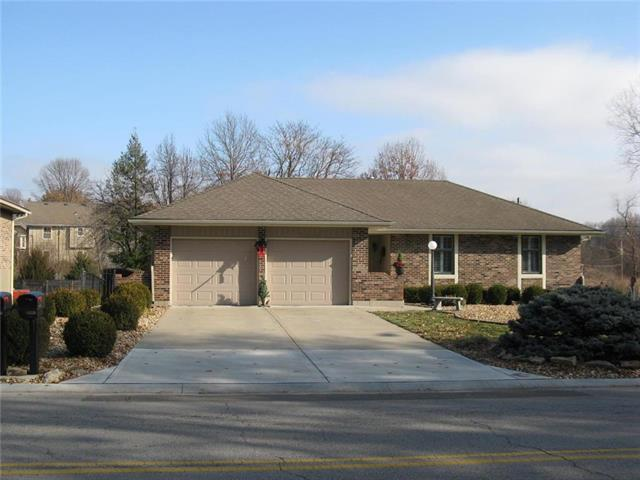 2809 S Cogan Drive, Independence, MO 64055 (#2148181) :: Team Real Estate