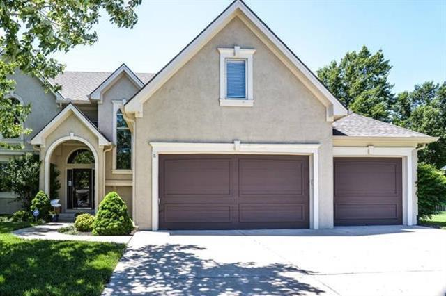 6110 Vardon Drive, Parkville, MO 64152 (#2148249) :: The Gunselman Team