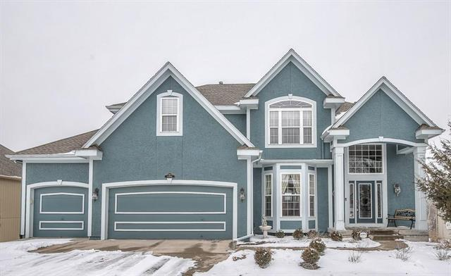 14994 S Glen Eyrie Street, Olathe, KS 66061 (#2148251) :: The Gunselman Team