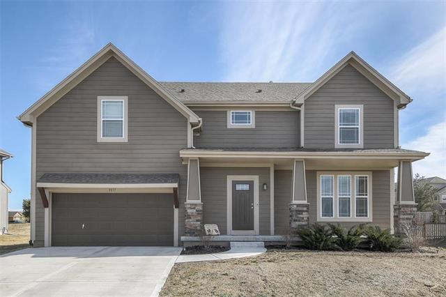 8837 Dunraven Street, Lenexa, KS 66227 (#2148255) :: Edie Waters Network