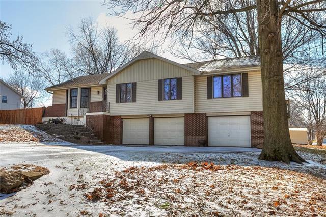 1007 NE 115th Street, Kansas City, MO 64155 (#2148265) :: Kansas City Homes