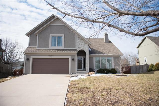 15408 Maple Street, Overland Park, KS 66223 (#2148266) :: Edie Waters Network