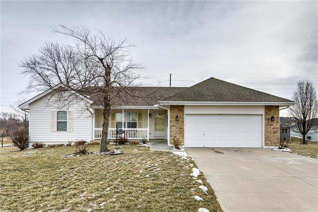 2210 E Ivory Circle, Excelsior Springs, MO 64024 (#2148274) :: Edie Waters Network