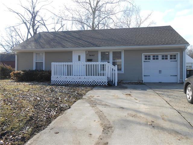 7440 Lamar Avenue, Overland Park, KS 66204 (#2148284) :: Team Real Estate