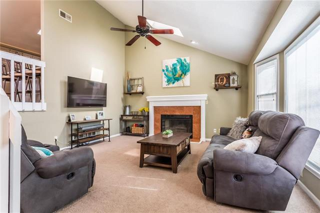 14244 W 121st Terrace, Olathe, KS 66062 (#2148287) :: Team Real Estate