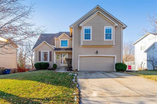 21601 W 47th Terrace, Shawnee, KS 66226 (#2148381) :: Edie Waters Network