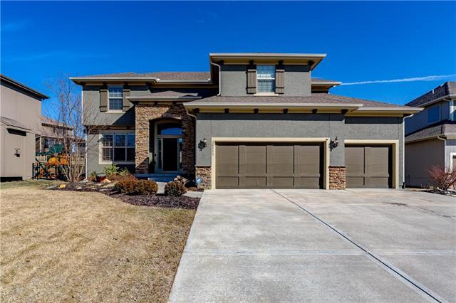 24111 W 124th Terrace, Olathe, KS 66061 (#2148389) :: Team Real Estate