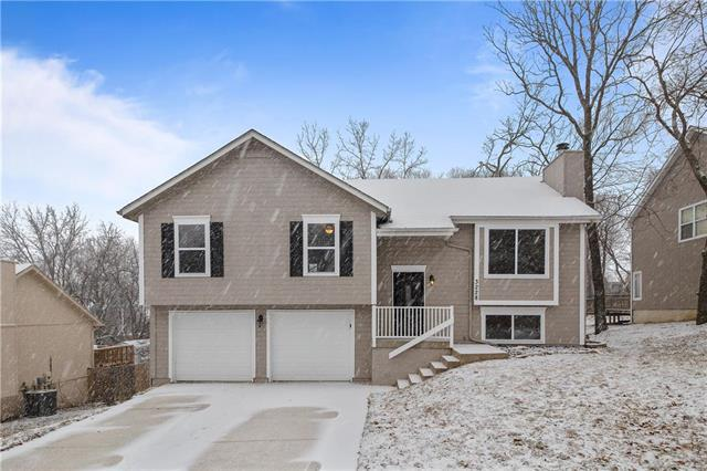 3228 Bryn Mawr Drive, Independence, MO 64057 (#2148417) :: Team Real Estate