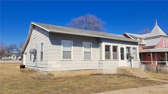 103 E 3rd Avenue, Garnett, KS 66032 (#2148444) :: Edie Waters Network