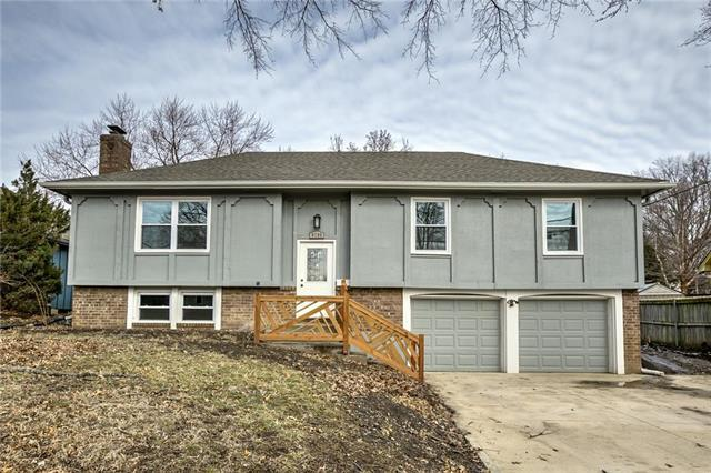 9706 W 95th Street, Overland Park, KS 66212 (#2148446) :: Team Real Estate