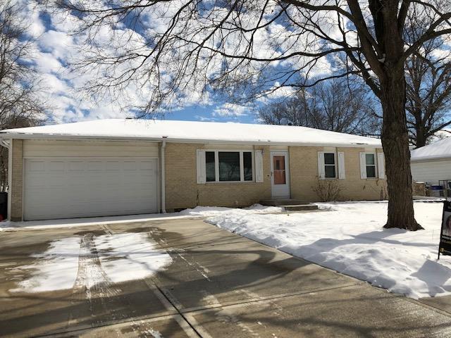 1037 W Fairwood Lane, Olathe, KS 66061 (#2148449) :: No Borders Real Estate
