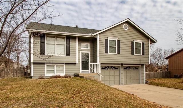 1720 NE Patterson Drive, Lee's Summit, MO 64086 (#2148458) :: No Borders Real Estate