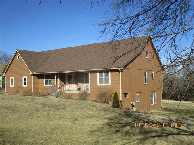 31950 W 89th Street, Desoto, KS 66018 (#2148528) :: The Gunselman Team