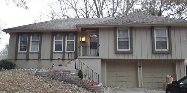 10829 Fuller Avenue, Kansas City, MO 64134 (#2148599) :: The Shannon Lyon Group - ReeceNichols