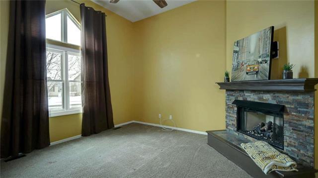438 W Meadowlark Street, Gardner, KS 66030 (#2148629) :: The Shannon Lyon Group - ReeceNichols