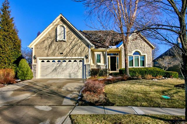 9907 Vista Drive, Lenexa, KS 66220 (#2148686) :: No Borders Real Estate