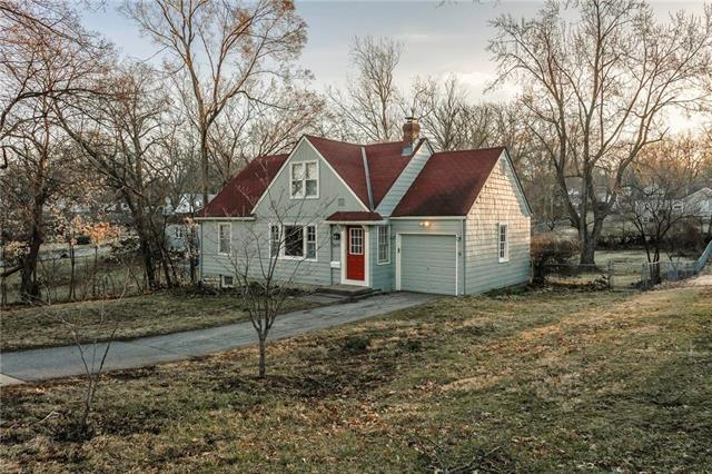 5619 Woodward Street, Merriam, KS 66202 (#2148733) :: House of Couse Group