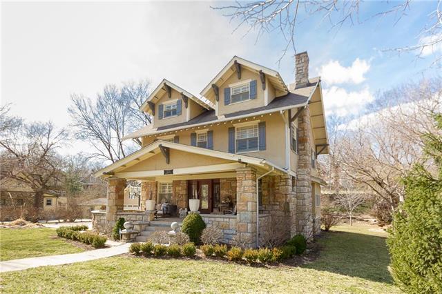 5212 Brookside Boulevard, Kansas City, MO 64112 (#2148782) :: Kansas City Homes