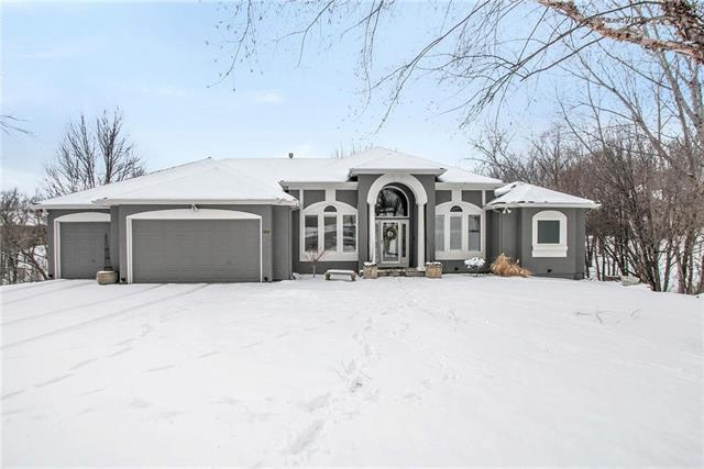 10301 NW River Hills Court, Parkville, MO 64152 (#2149915) :: Eric Craig Real Estate Team
