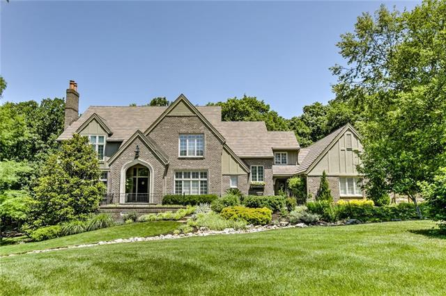 11408 Canterbury Circle, Leawood, KS 66211 (#2149957) :: House of Couse Group