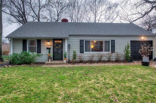 7552 Sagamore Road, Prairie Village, KS 66208 (#2149959) :: House of Couse Group