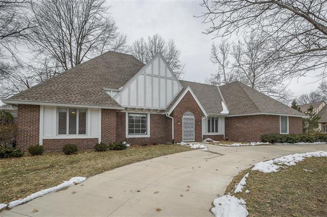 10108 Howe Drive, Leawood, KS 66206 (#2150287) :: Edie Waters Network