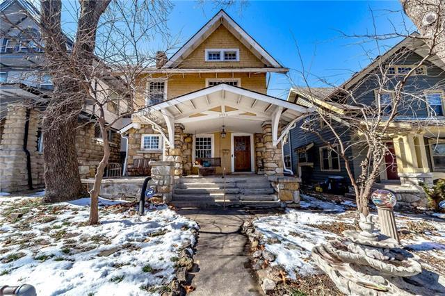 3904 Forest Avenue, Kansas City, MO 64110 (#2150304) :: House of Couse Group