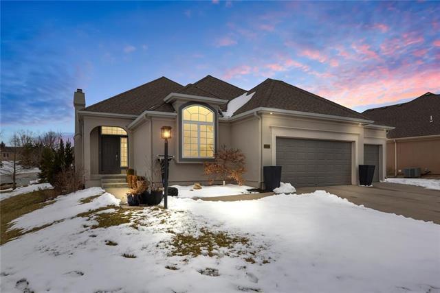 14317 Manor Court, Leawood, KS 66224 (#2150366) :: No Borders Real Estate