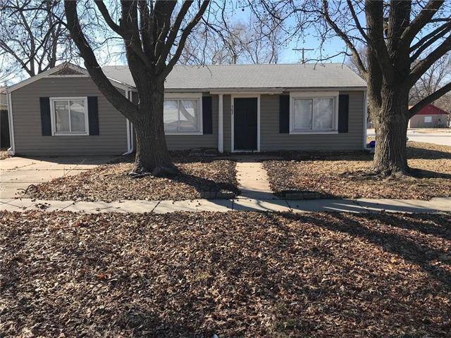 302 S Washington Street, Raymore, MO 64083 (#2150404) :: No Borders Real Estate