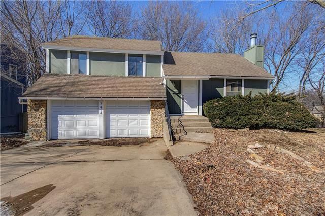 7414 W 55th Terrace, Overland Park, KS 66202 (#2150461) :: No Borders Real Estate