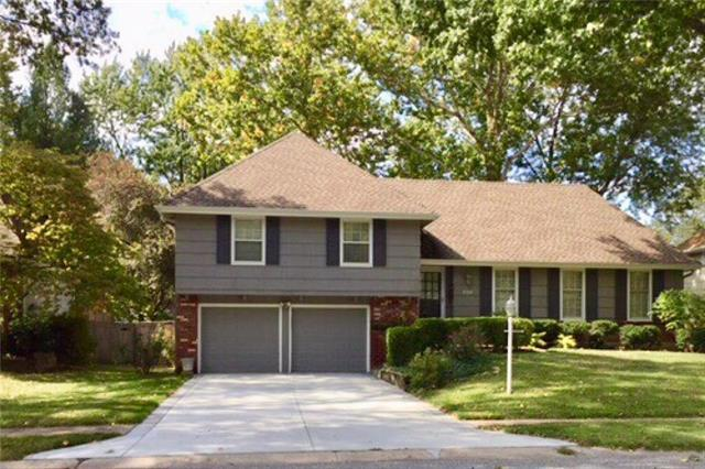 10312 Russell Street, Overland Park, KS 66212 (#2150504) :: House of Couse Group