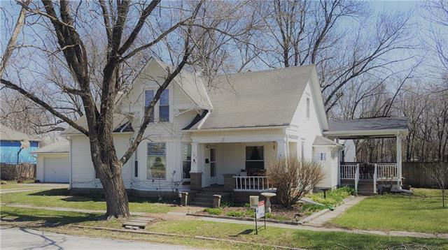 104 N Burruss Street, Hamilton, MO 64644 (#2150528) :: Stroud & Associates Keller Williams - Powered by SurRealty Network